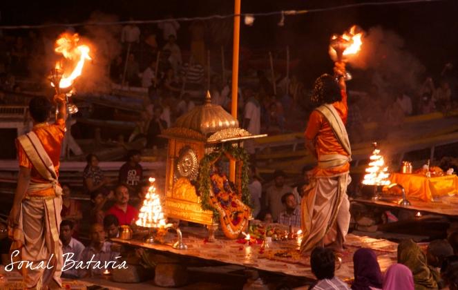 Ending the evening with Arti on the Ganga...Om Shanti, Shanti, Shanti, until we meet again.